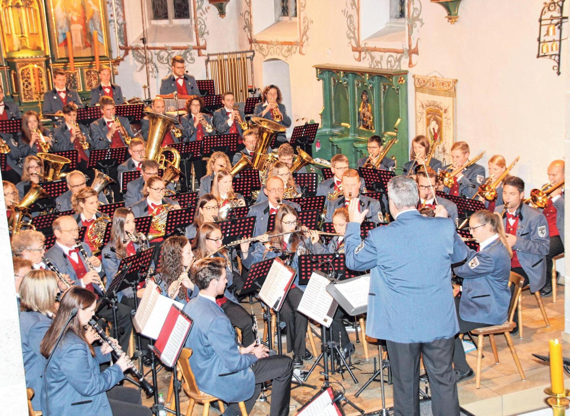 Musiker in der Pfarrkirche Mariä Himmelfahrt in Allmendingen